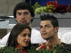 Ah, o amor... Namorada de Cristiano Ronaldo brinca com o gogó do atleta