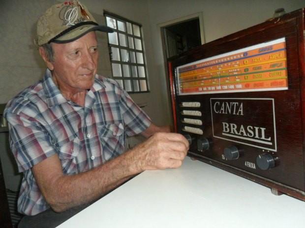 Os aparelhos de rádios fabricados por Guido foram batizados de Canta Brasil (Foto: Andréia Machado/G1)