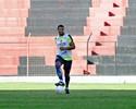 Pereira quer meio-campo do Sport diminuindo espaços na frente da área