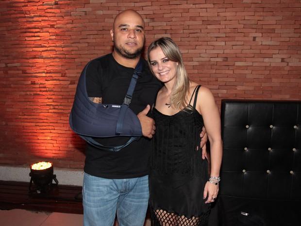 Milene Domingues com onamorado, Rubens, em festa em São Paulo (Foto: Celso Tavares/ EGO)