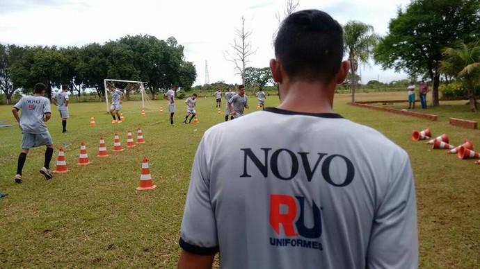 Treino do Novo no campo do Plec (Foto: Divulgação/Novo)