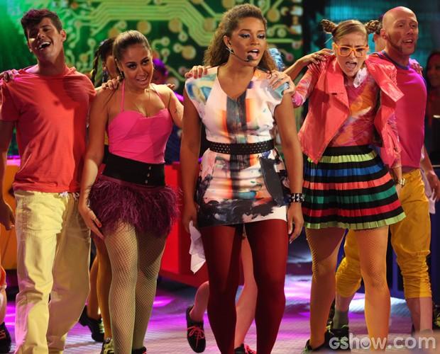 Juliana Alves canta 'Não aprendi dizer adeus' (Foto: Pedro Curi / TV Globo)