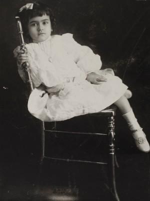 Frida com 5 anos, Anônimo (1912) (Foto: MON / Divulgação)