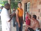 Moradores de área rural de Macaé, RJ, são vacinados contra a febre amarela
