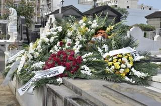 Coroas de flores (Foto: Roberto Teixeira/EGO)