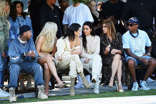 Kylie Jenner, Kim Kardashian, Kendall Jenner, Carine Roitfeld e Pharrell Williams (Foto: Getty Images)