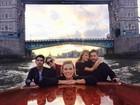 Taylor Swift e Calvin Harris fazem passeio romântico em Londres