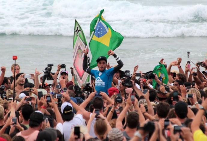 Filipe Toledo campeão da etapa de Gold Coast surfe (Foto: Luciana Pinciara/Motion Photos)