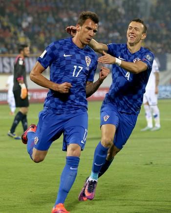 Mandzukic Croácia x Kosovo (Foto: AFP)