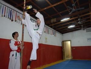 Igor Barboza disputa em três modalidades, uma delas é chute em altura (Foto: Nailson Wapichana/GloboEsporte.com)
