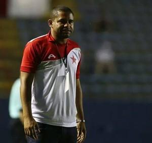 Nei Gaúcho, técnico do Rio Branco sub-20 (Foto: Reprodução/Facebook)