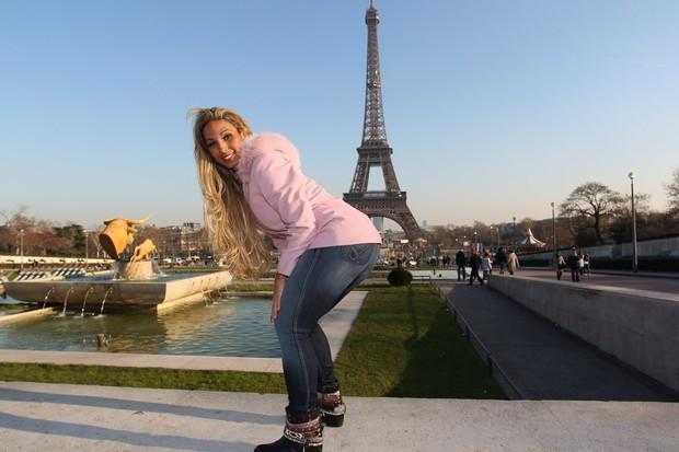Valesca Popozuda em Paris (Foto: Francisco Silva / AgNews)
