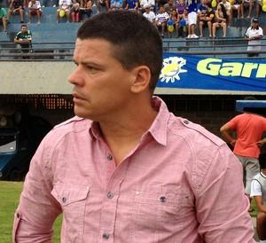 Celinho Valentim vai tentar a primeira vitória em casa (Foto: Fabrício Soveral/GloboEsporte.com)