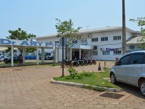 Hospital de Base Ary Pinheiro, em Porto Velho (Foto: Toni Francis/G1)