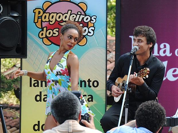 Dieguinho conseguiu conquistar Tamtam com poesia e romantismo (Foto: Malhação / TV Globo)