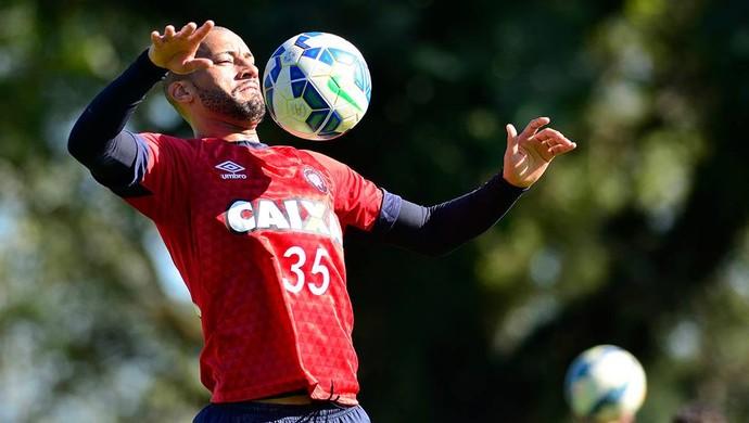 Zagueiro Kadu Atlético-PR (Foto: Site oficial do Atlético-PR/Divulgação)