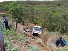 Acidente entre carro e ônibus deixa dois mortos em Montes Claros