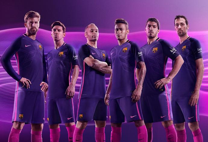 Barcelona novo uniforme (Foto  Divulgação Site oficial do Barcelona) 41fbed4c1ad4c