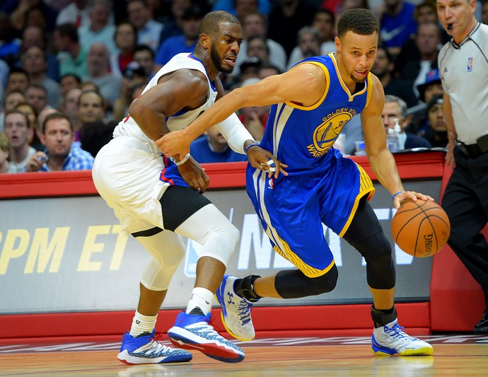 Chris Paul e Stephen Curry Clippers x Warriors (Foto: Reuters)