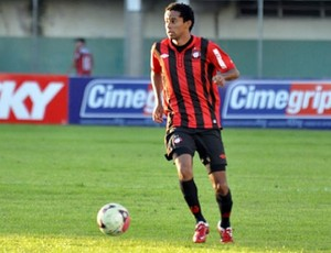 Wellington Saci em jogo do Atlético-Pr contra o ABC (Foto: Cleber Yamaguchi/Site oficial do Atlético-PR)