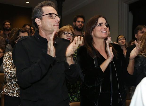 Tony Bellotto e Malu Mader aplaudem espetáculo 'Fauna' (Foto: Roberto Filho/Brazil News)