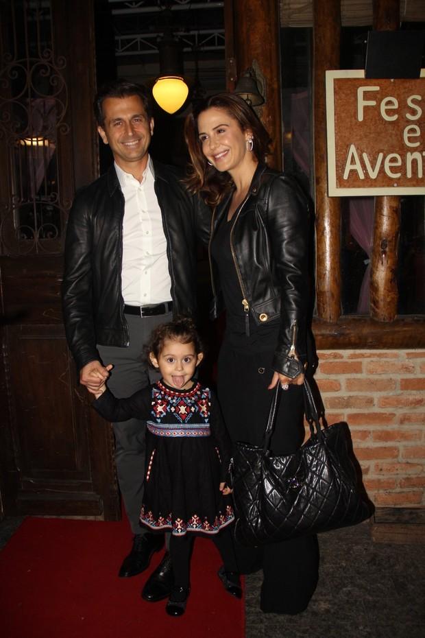 Guilhermina Guinle e o marido, Leonardo Antonelli, com a filha, Mina (Foto: Rogerio Fidalgo/AgNews)