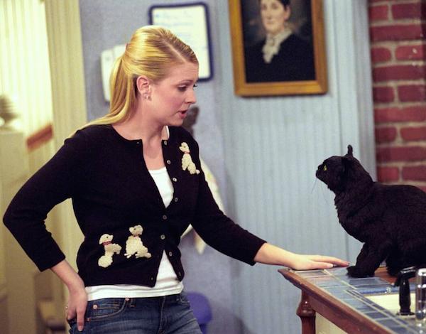 A atriz Melissa Joan Hart em cena de Sabrina the Teenage Wich (Foto: Reprodução)