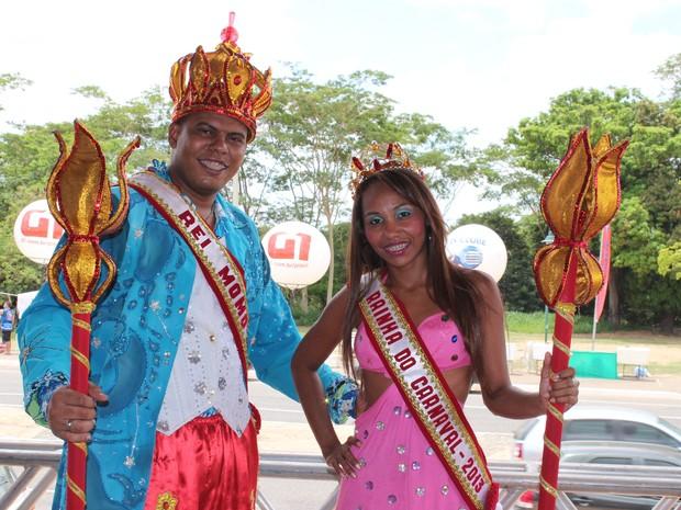 A rainha e o rei Momo também estiveram na Avenida Raul Lopes.  (Foto: Gilcilene Araújo/ G1)