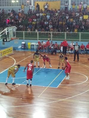 NBB 2012/13: Vila Velha x Pinheiros (Foto: Bruno Marques/Globoesporte.com)
