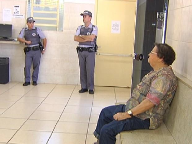 Idosa prestou depoimento da Central de Flagrantes (Foto: Reprodução / TV Tem)