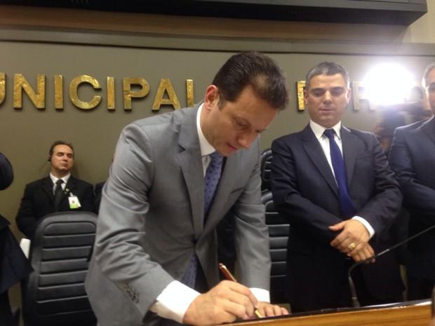 Nelson Marchezan Jr. toma posse na Prefeitura de Porto Alegre (Foto: Rafaella Fraga/G1 )
