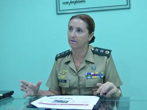 Carla disse que sente orgulho por entrar na história do Exército brasileiro (Foto: Daniel Peixoto/G1)