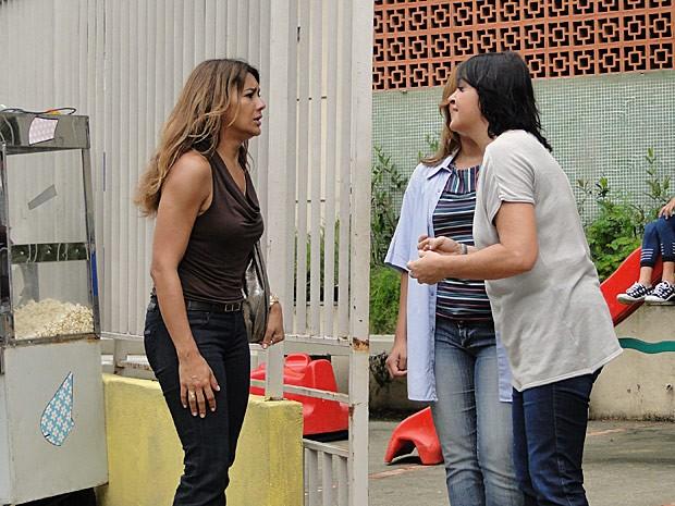 Lucimar se desespera ao descobrir que o neto sumiu da escola (Foto: Salve Jorge/TV Globo)