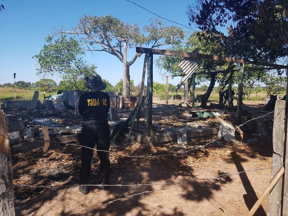 A Polícia Federal realizou a reconstituição da chacina que matou 10 pessoas na fazenda Santa Lúcia, em Pau D'Arco. (Foto: Reprodução/TV Liberal)