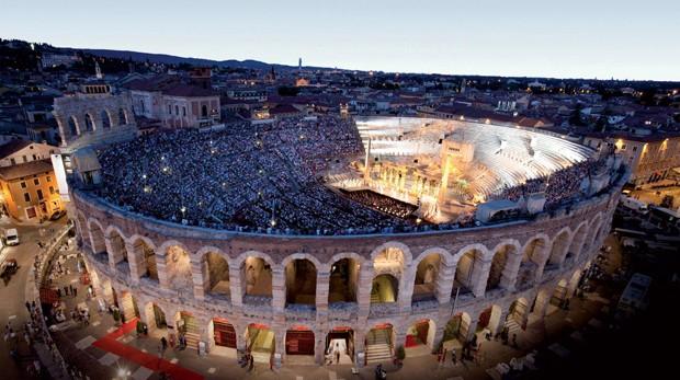 Arena de Verona, na Itália, ganhará cobertura retrátil (Foto: Divulgação)