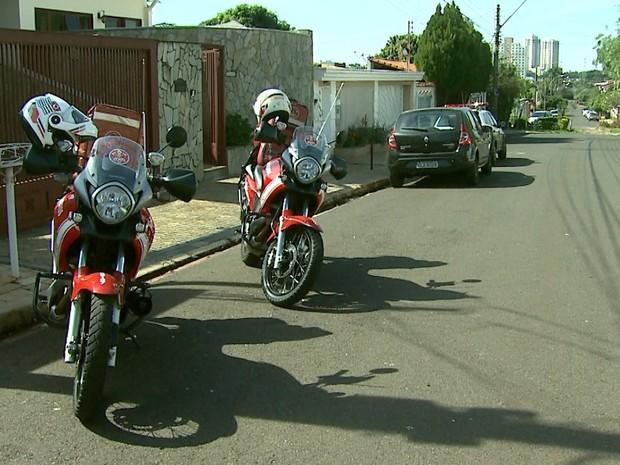 Dona de casa esfaqueou a filha e o neto dentro de casa no bairro Ribeirânia (Foto: Reprodução/EPTV)