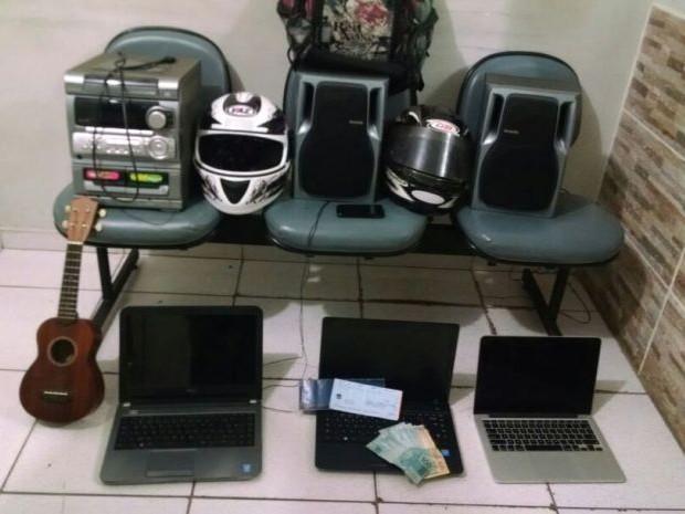 Produtos roubados foram recuperados (Foto: Divulgação / Polícia Militar)