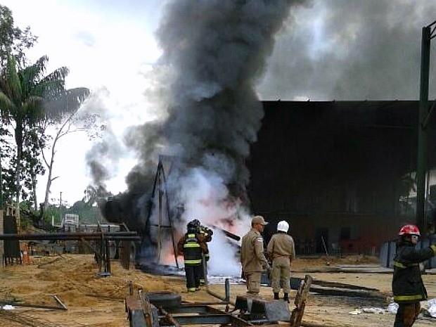 Depósito fica na Zona Oeste da capital amazonense (Foto: Divulgação/Corpo de Bombeiros)