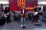 Jammil abre o 'Encontro' com a música 'Colorir Papel'