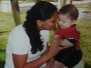 A técnica em enfermagem e 'personal babá' Damiana Souza, de Brasília (Foto: Damiana Souza/Arquivo pessoal)