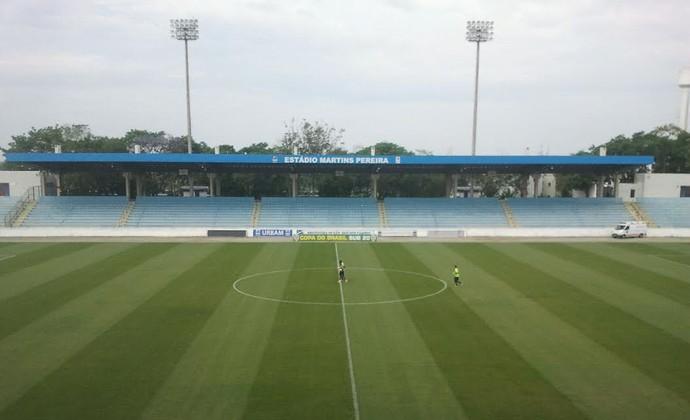 TR Palmeiras Figueirense estádio Martins Pereira São José dos Campos (Foto: GloboEsporte.com)