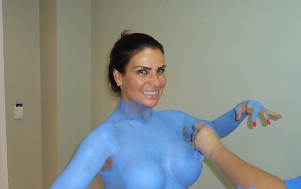 52faeb9a1 EGO - Solange Gomes pinta o corpo todo para virar personagem de ...