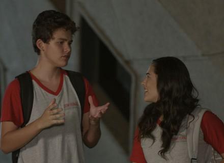 Artur aposta com Julia: 'Faço tudo o que você me pedir'