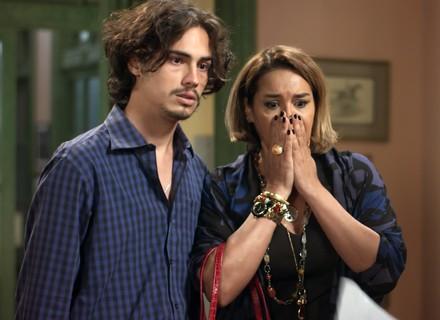 Gilda descobre segredo de Nicolau