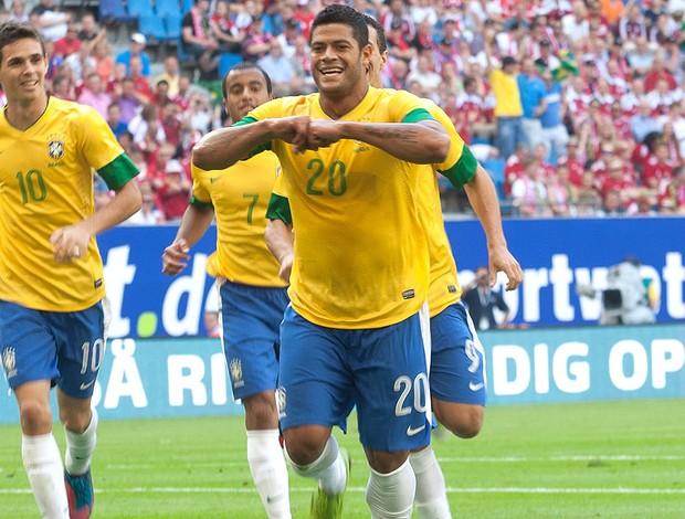 Hulk, Brasil x Dinamarca (Foto: Mastrangelo Reino / Agência Estado)
