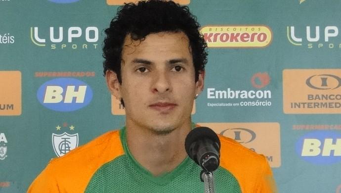Danilo Dias está preparado para estrear pelo América-MG (Foto: Laura Bernardes)