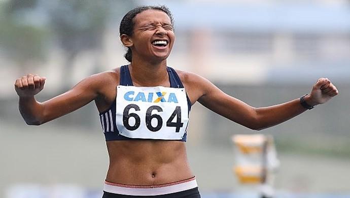Denise levou a primeira posição nos 3.00 metros rasos (Foto: Divulgação / Secom Garanhuns)