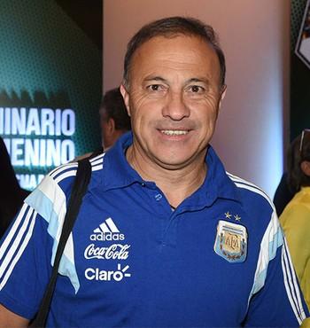 Julio Olarticoechea técnico da Argentina (Foto: Divulgação / Conmebol)