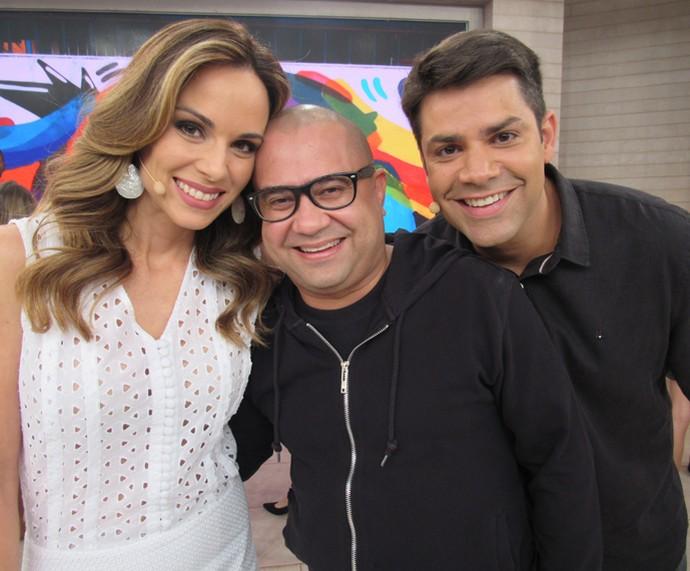 Sucesso em Tá no Ar, Welder Rodrigues posa nos bastidores (Foto: Priscilla Massena/Gshow)