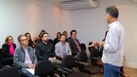 Equipe de projetos na TV Globo fala do sinal digital na sede da Inter TV em Petrópolis
